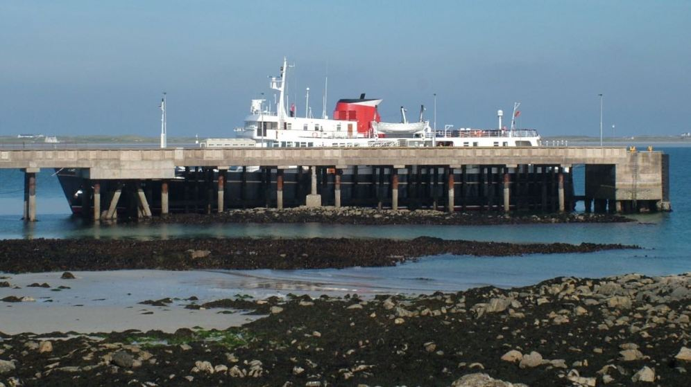 Hebridean Princess and Low Tide at Scarinish