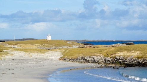Scarinish Bay and Lighthouse at a bright moment