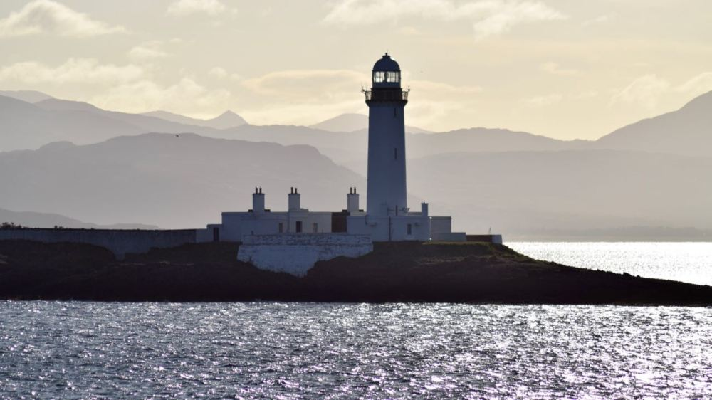 Passing Lismore Lighthouse