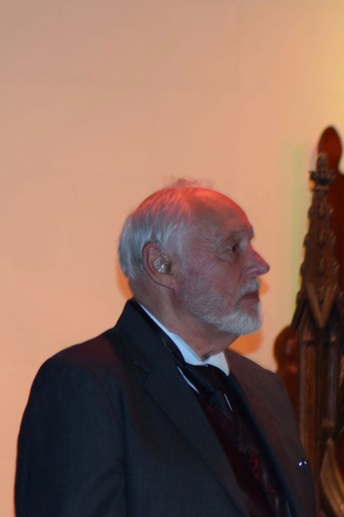 Clerk to the Court played by Bill Welstead