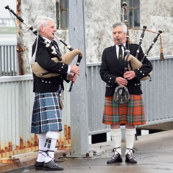 The Twa Pipers