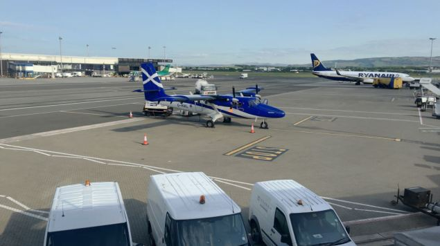 Twin Otter Glasgow International Airport