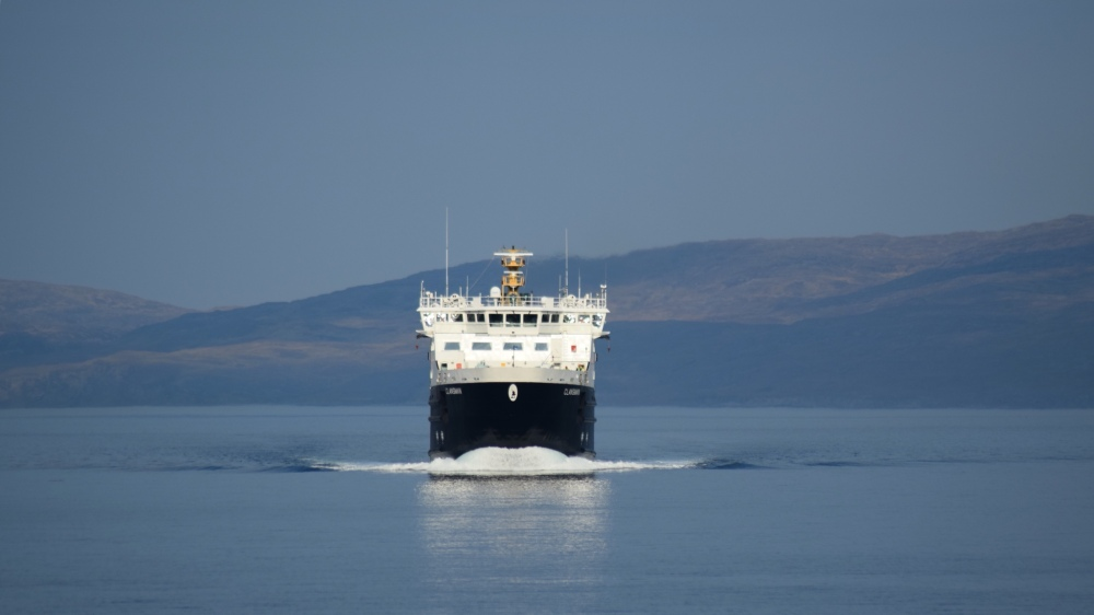 The MV Clansman approaching Scalasaig, Colonsay