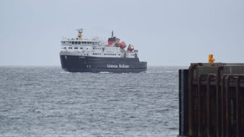 The MV Clansman approaching the pier