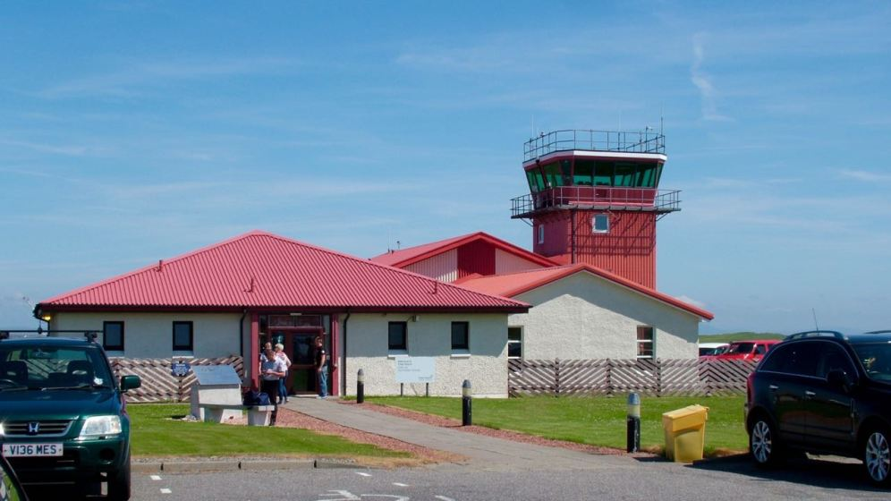 From Glasgow International Airport to Tiree Airport - two different worlds