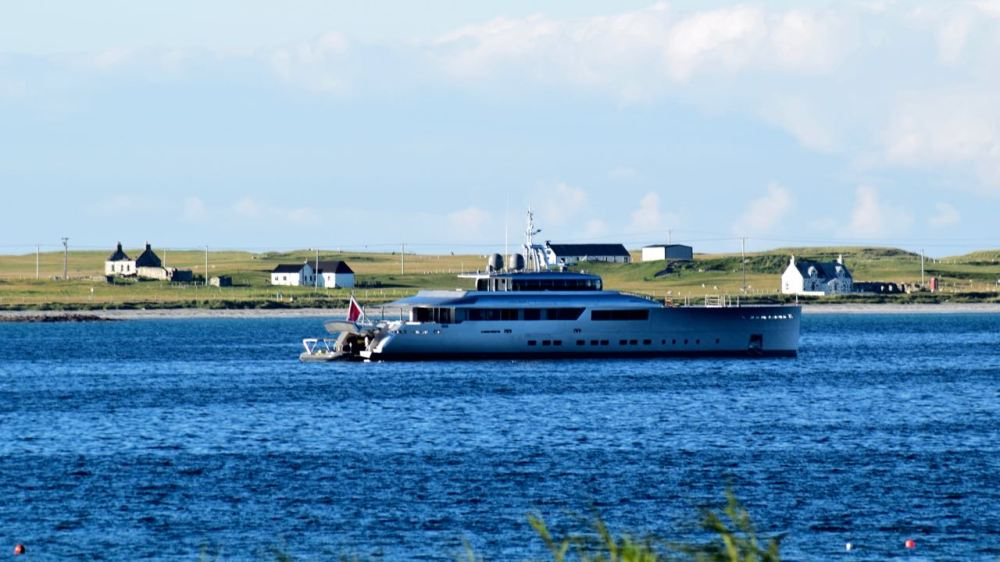The Yacht Exuma in Gott Bay, Isle of Tiree