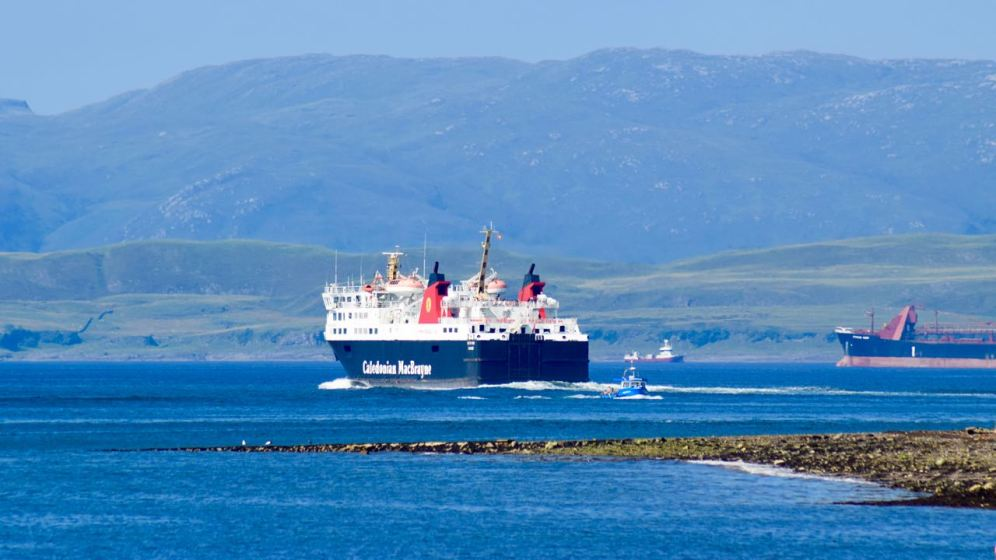 MV Isle of Lewis leaving Oban Bay and heading into the Sound of Mull