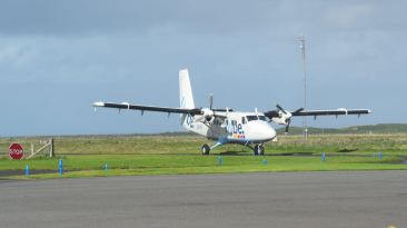 Twin Otter on the outbound flight to Glasgow International Airport