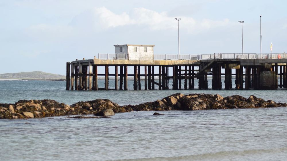 The version of the pier prior to the linkspan -ow condemned