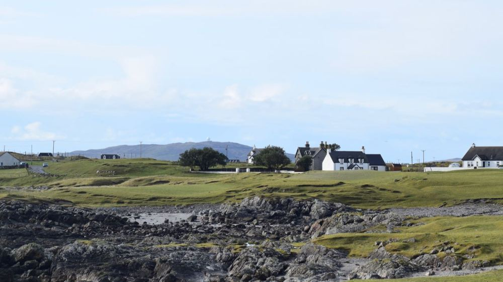 Looking from Scarinish to the Golf Ball on top of Ben Hynish. Notice the trees!