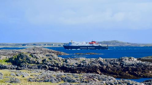 A busy MV Clansman approaches Tiree's Pier (Gott Bay)