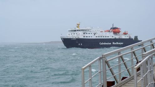 MV Clansman approaches Tiree's Pier