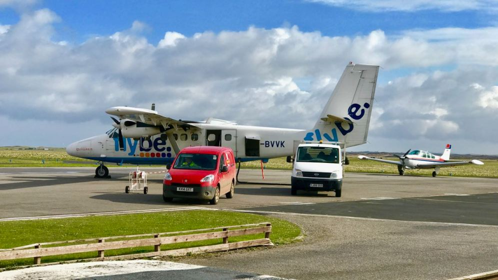 Loganair Twin Otter at Tiree Airport