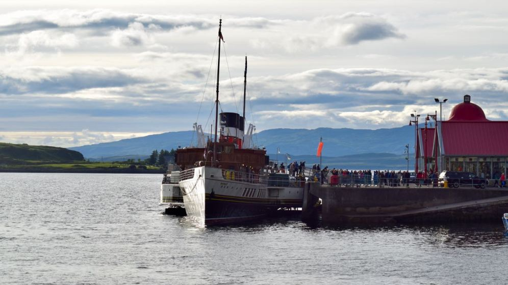 The PS Waverley at Oban North Pier