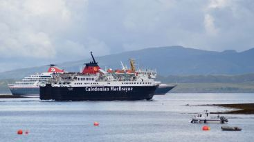 The MV Isle of Mull and the cruise ship Balmoral