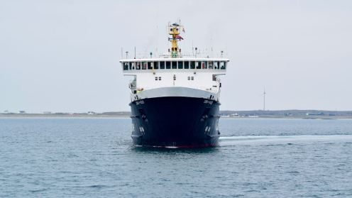 LOTI preparing to berth